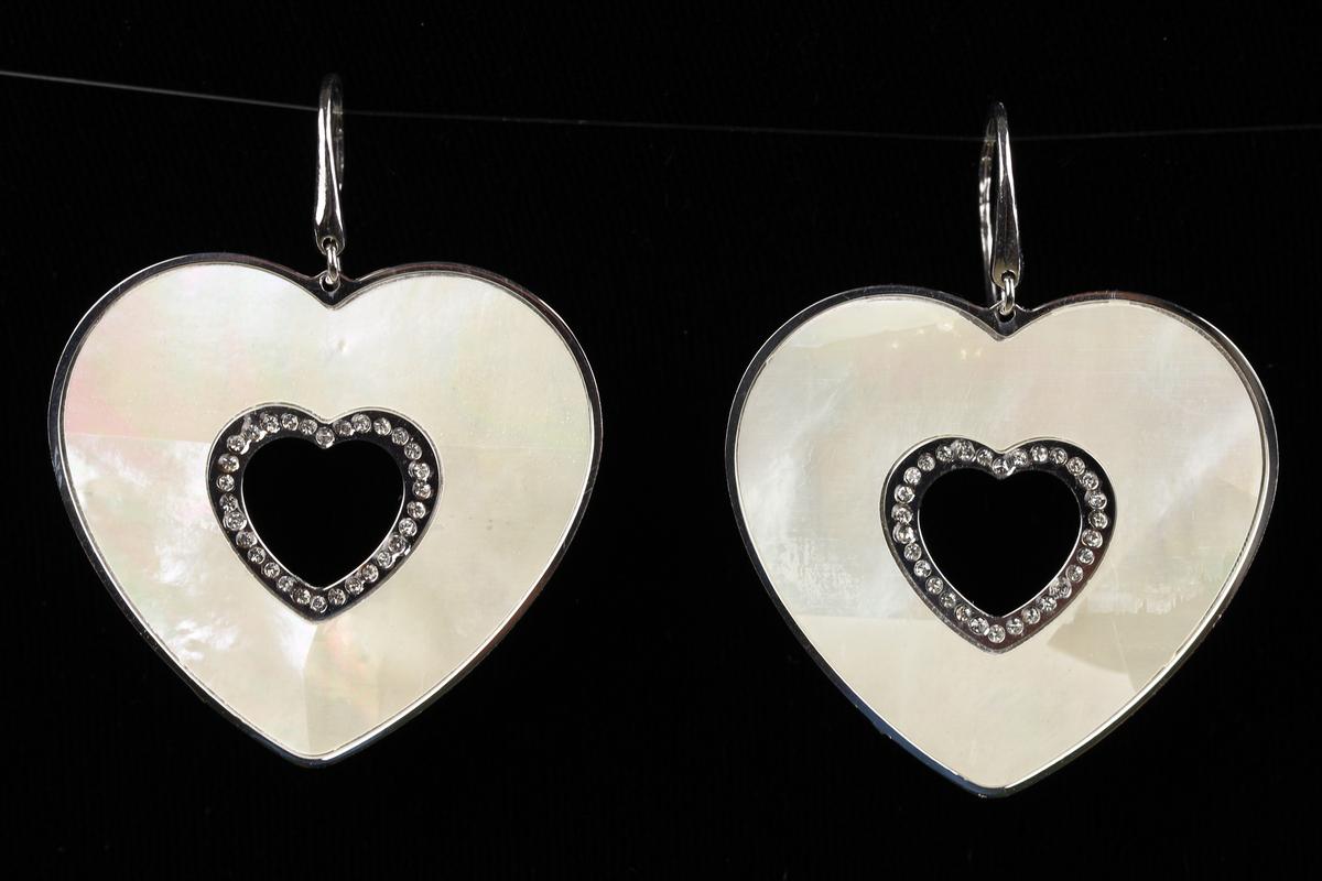 Italiaanse zilveren oorhangers met een groot hart