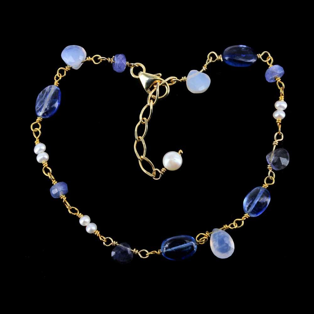 Verguld armbandje met kleurstenen en parels