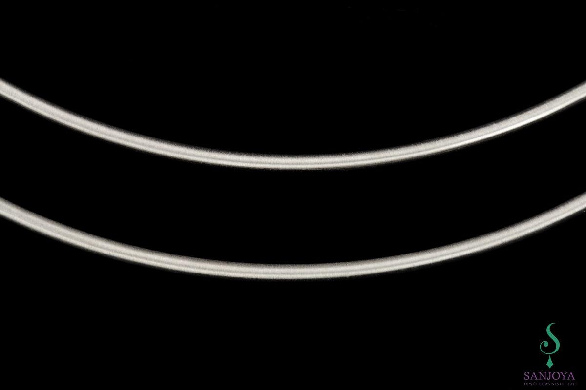 Tweerijige stijve ketting van zilver, mat