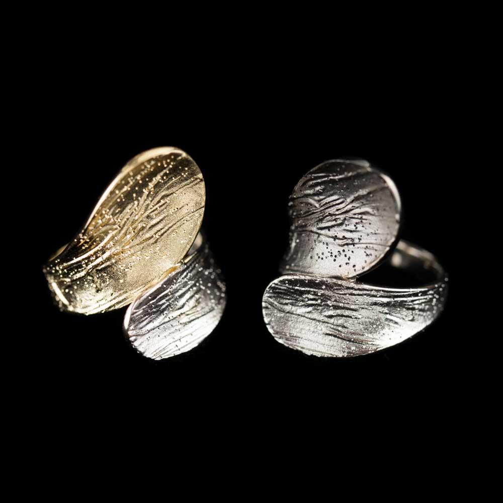 Tweekleurige schitterende ring, verguld en zilver