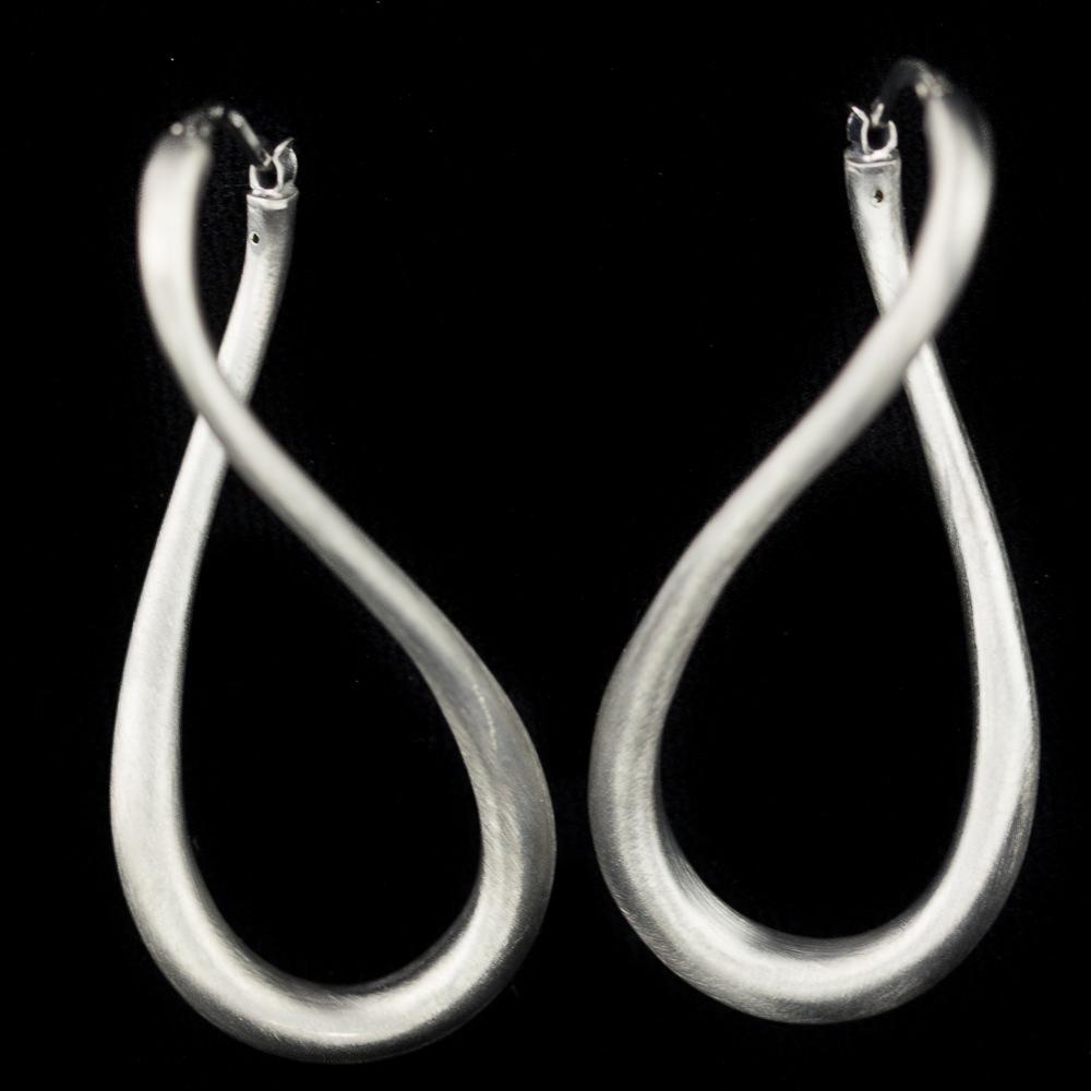 Zilveren en matte infinity creolen, Sanjoya