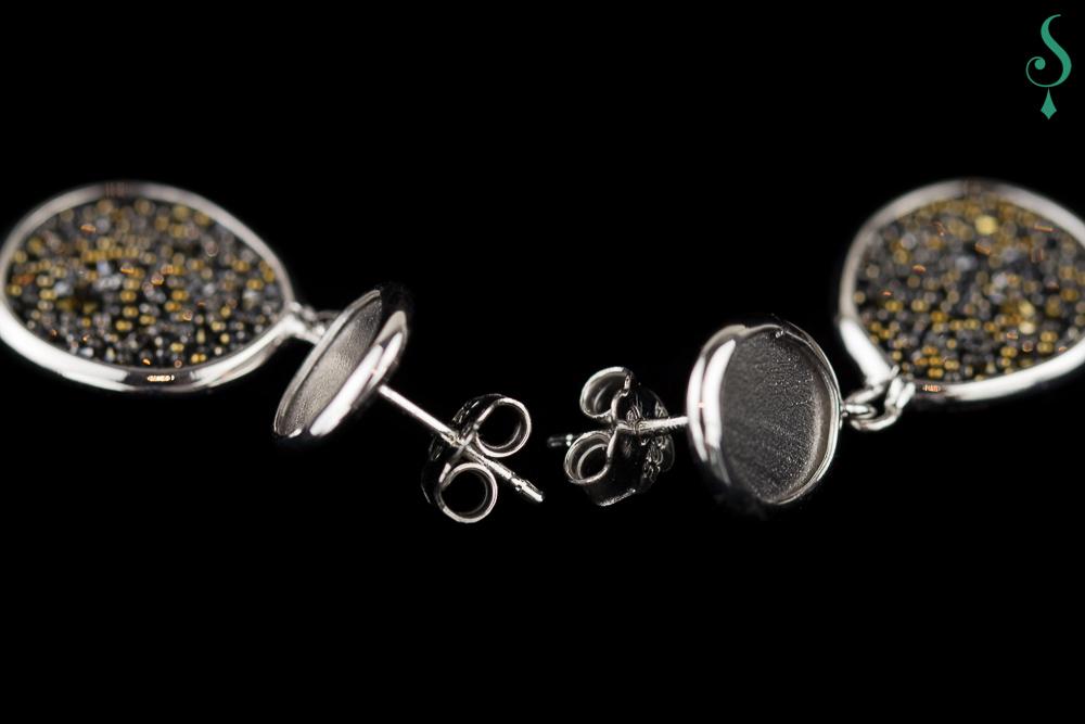 Oorbellen van zilver en hematiet met stekersysteem