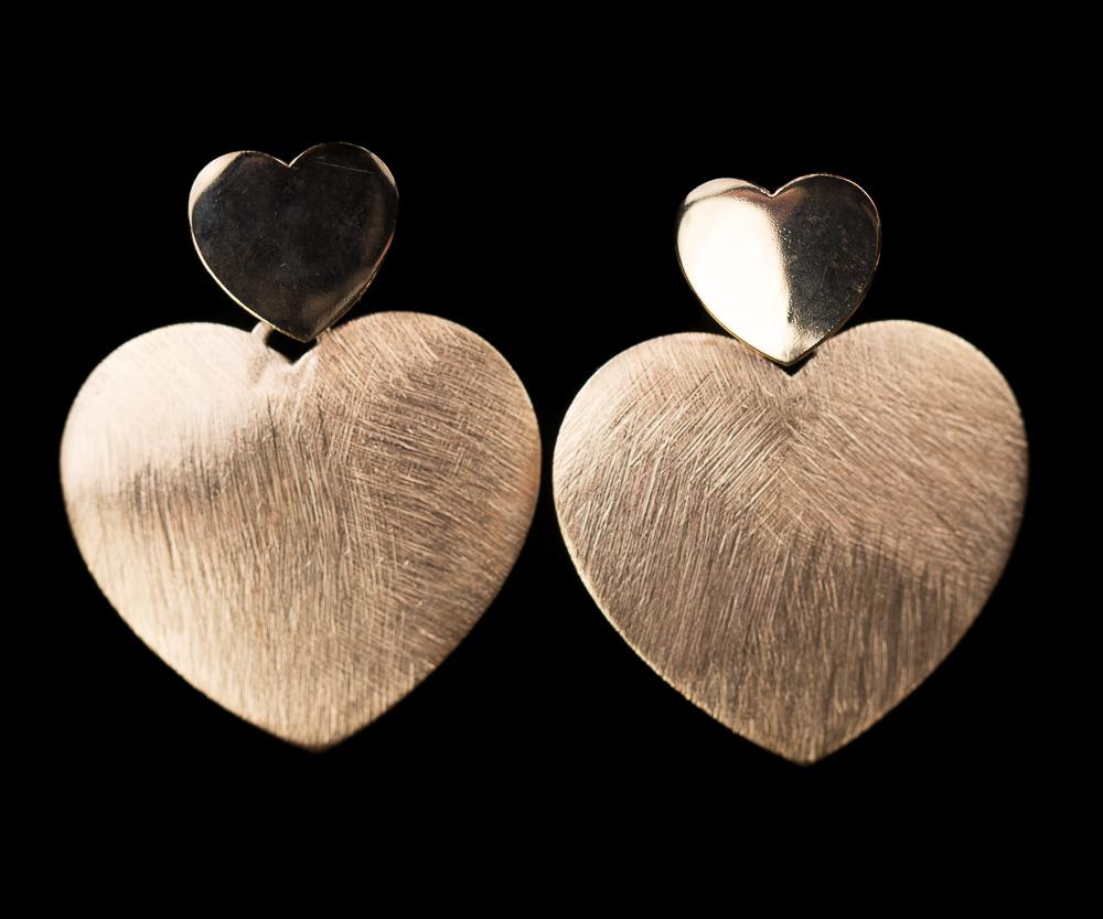 Rosé hartvormige oorbellen