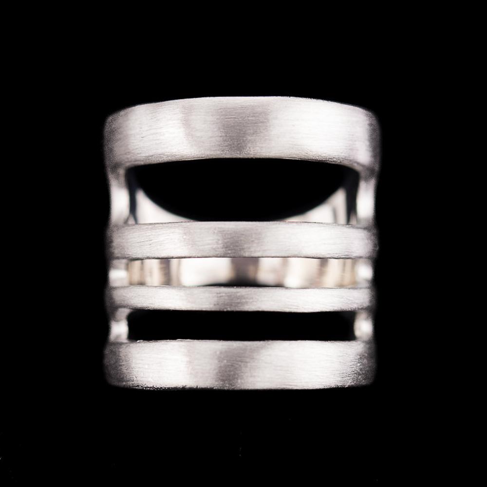 Gematteerde zilveren ring, 4 rijen