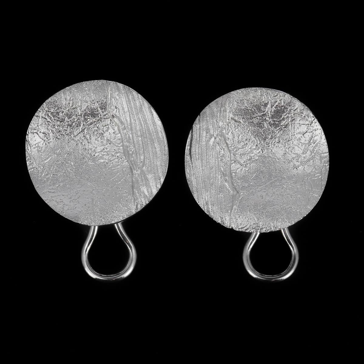 Zilver, ronde en gediamanteerde oorbellen