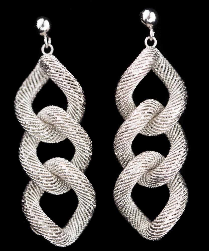 Verfijnde zilveren schakeloorbellen met transparant patroon