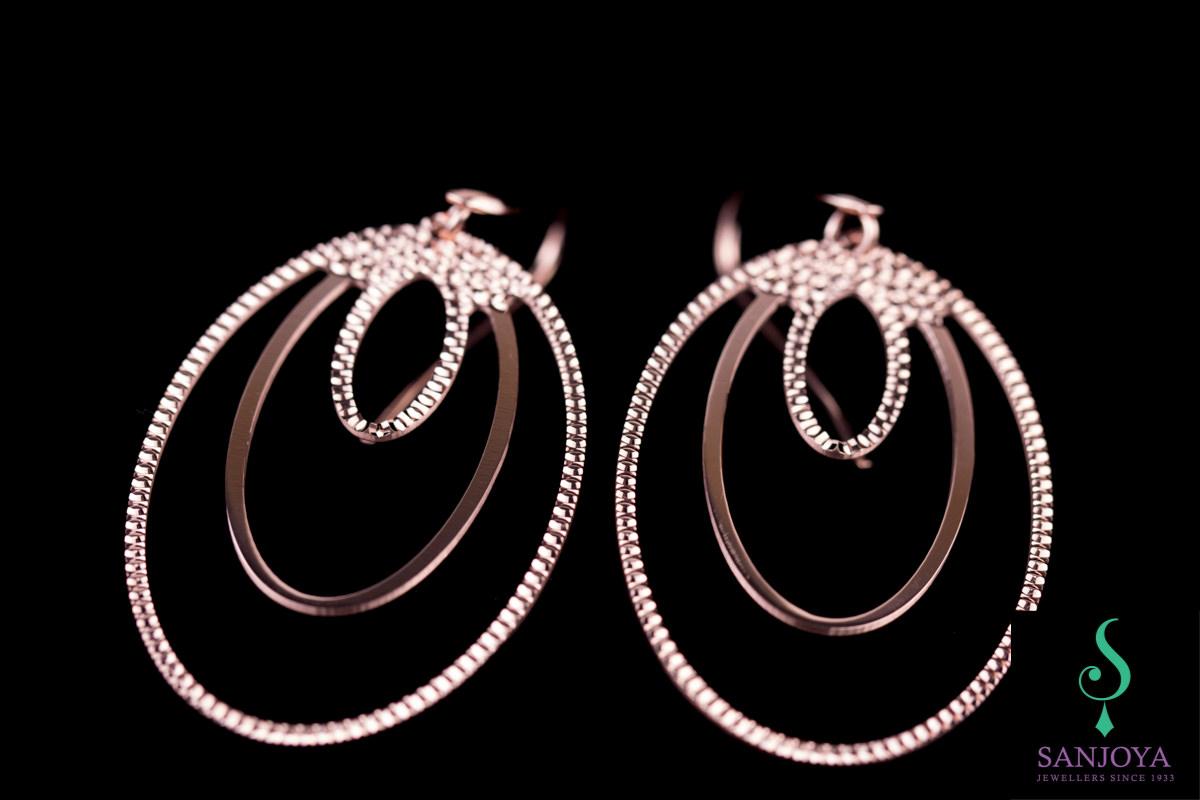 Grote rosé ovalen oorbellen