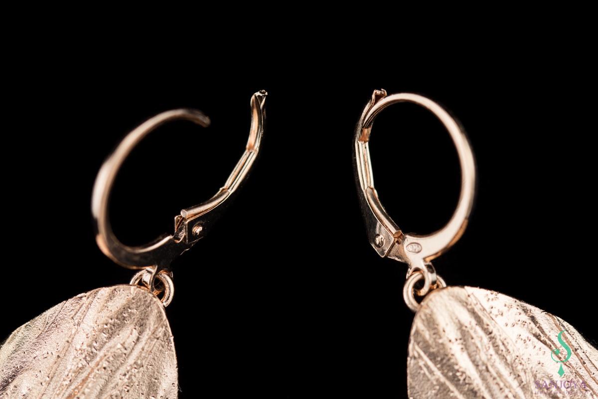 Rosé afhangende ovale gediamanteerde oorbellen