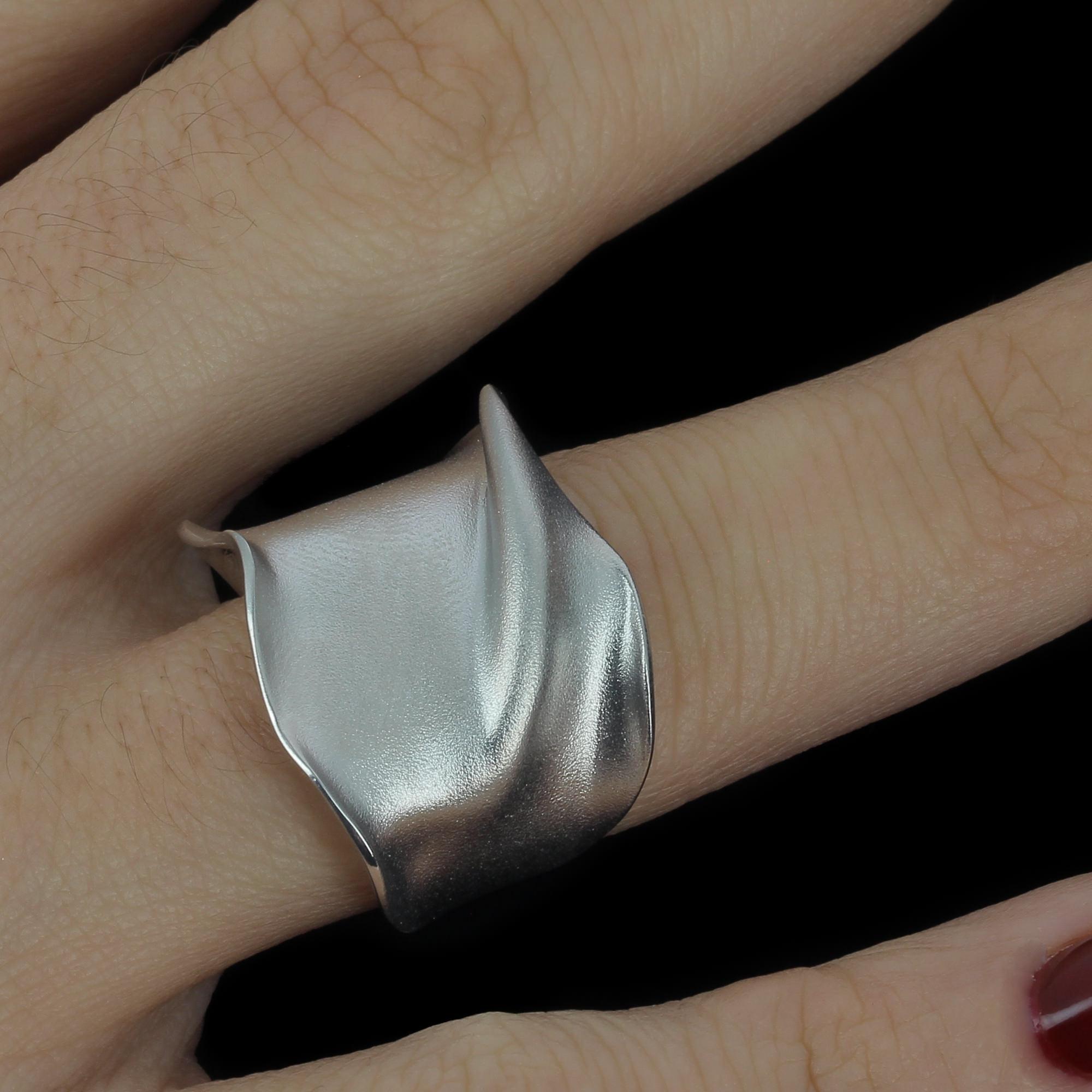 Zilveren ring, mat en smal