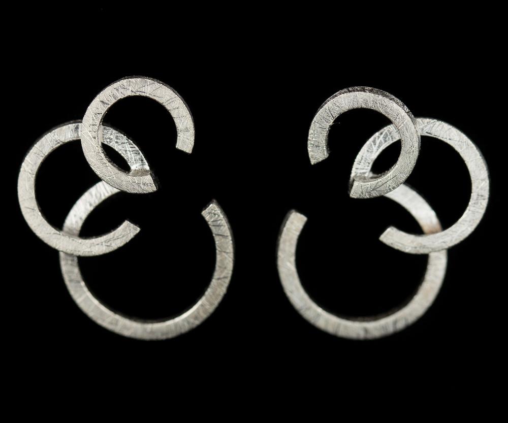Cirkelvormige zilveren oorbellen