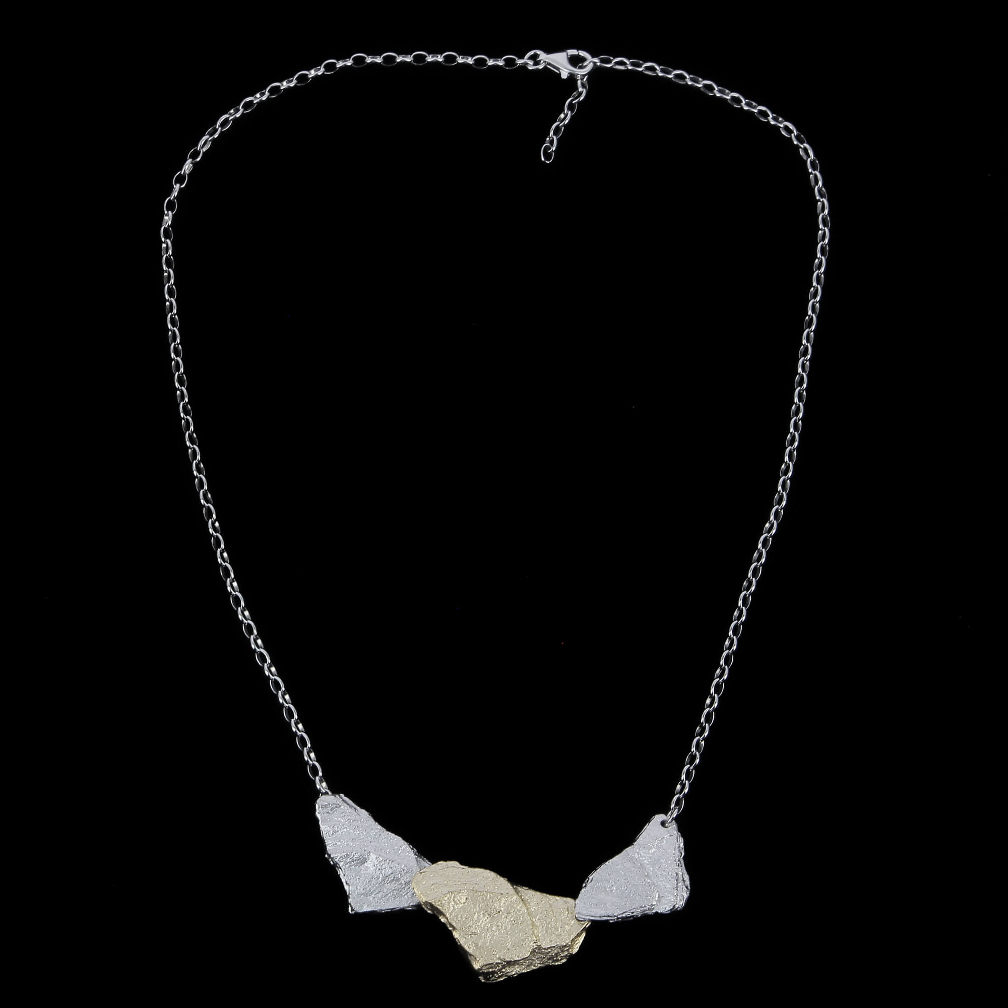 Tweekleurige zilveren steenvormige hangers met ketting