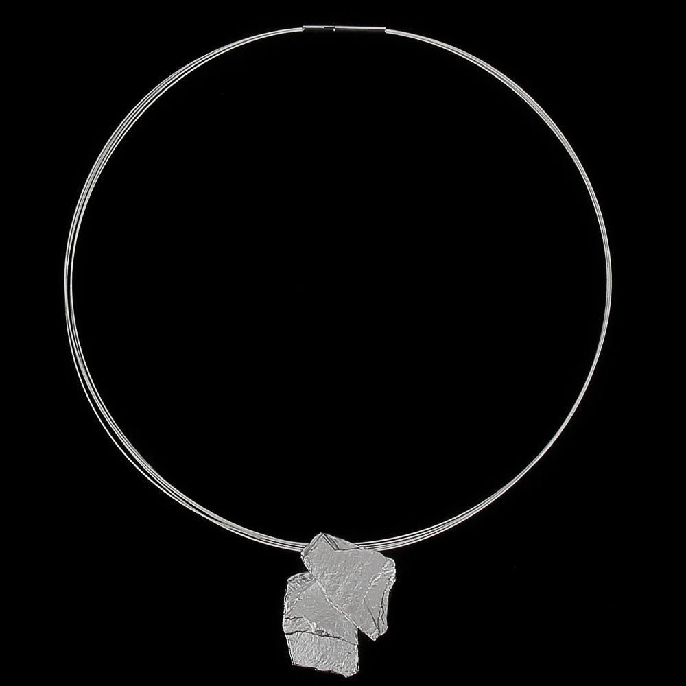 Steenvormige hanger van zilver