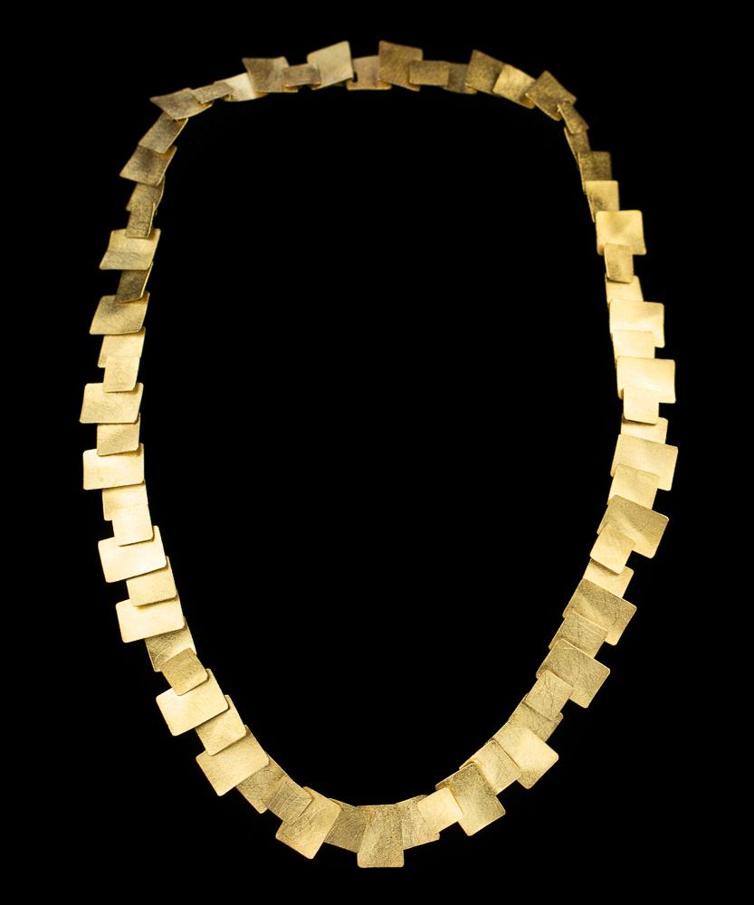 Verguld zilveren collier met vierkante gesloten schakeltjes