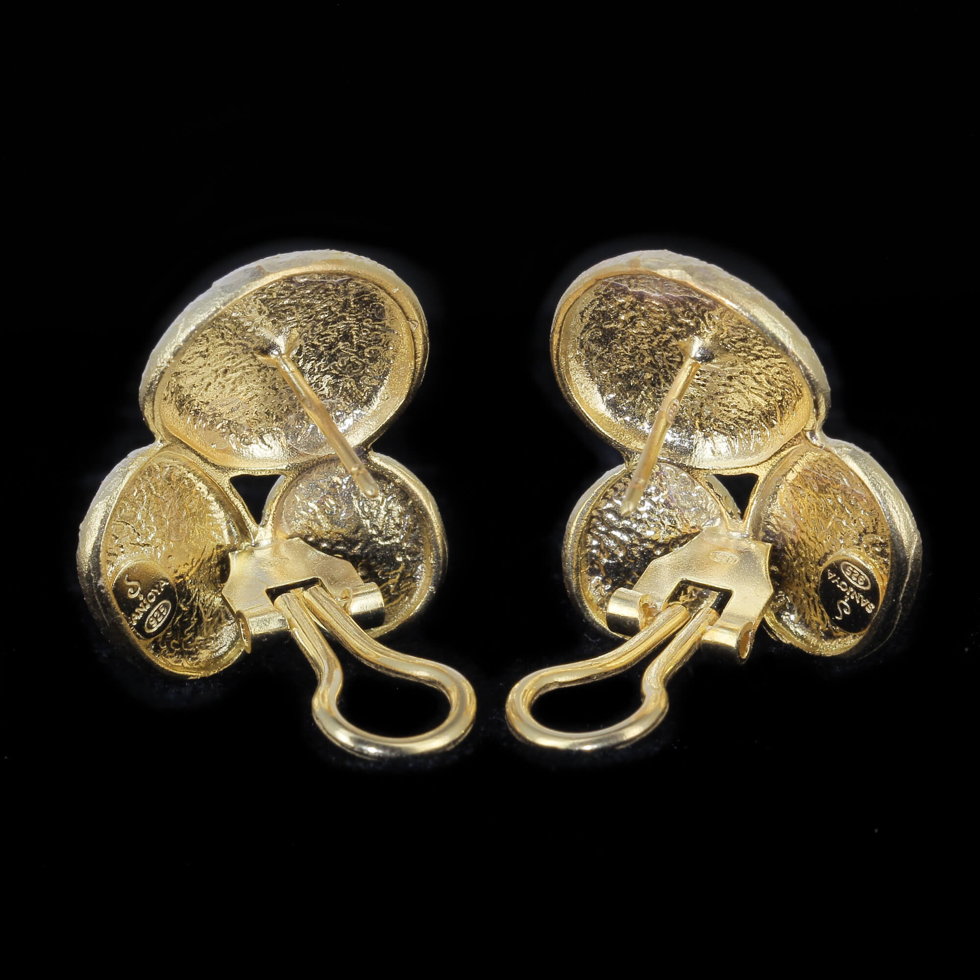 Vergulde ovaalvormige oorbellen, gediamanteerd