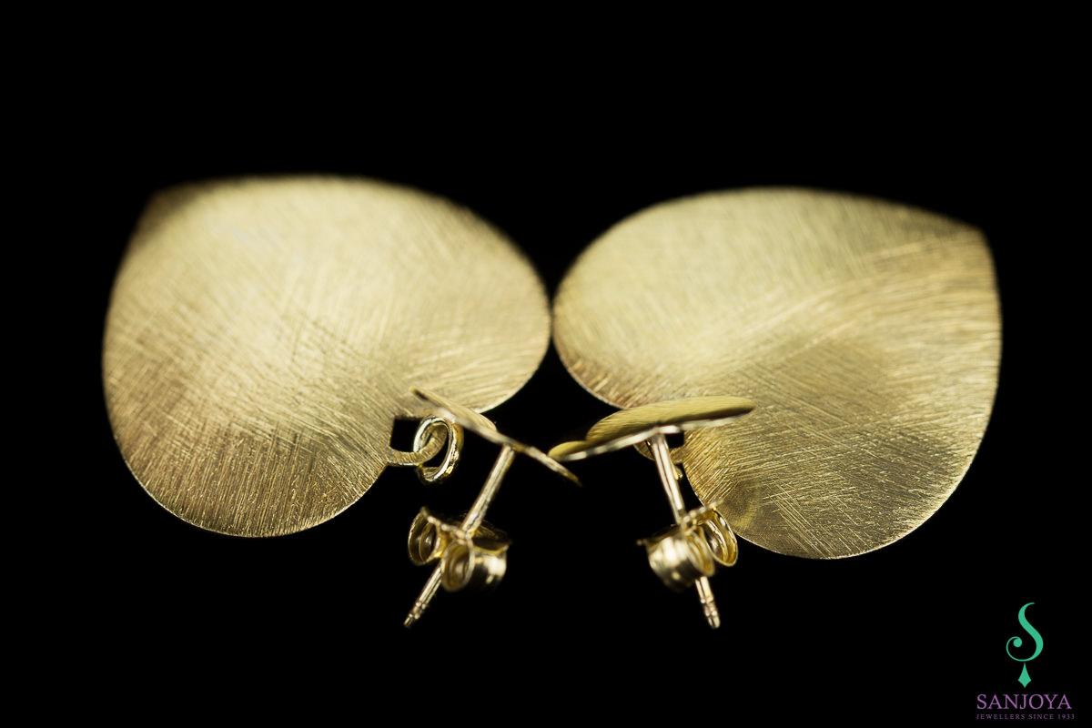 Verguld hartvormige oorbellen