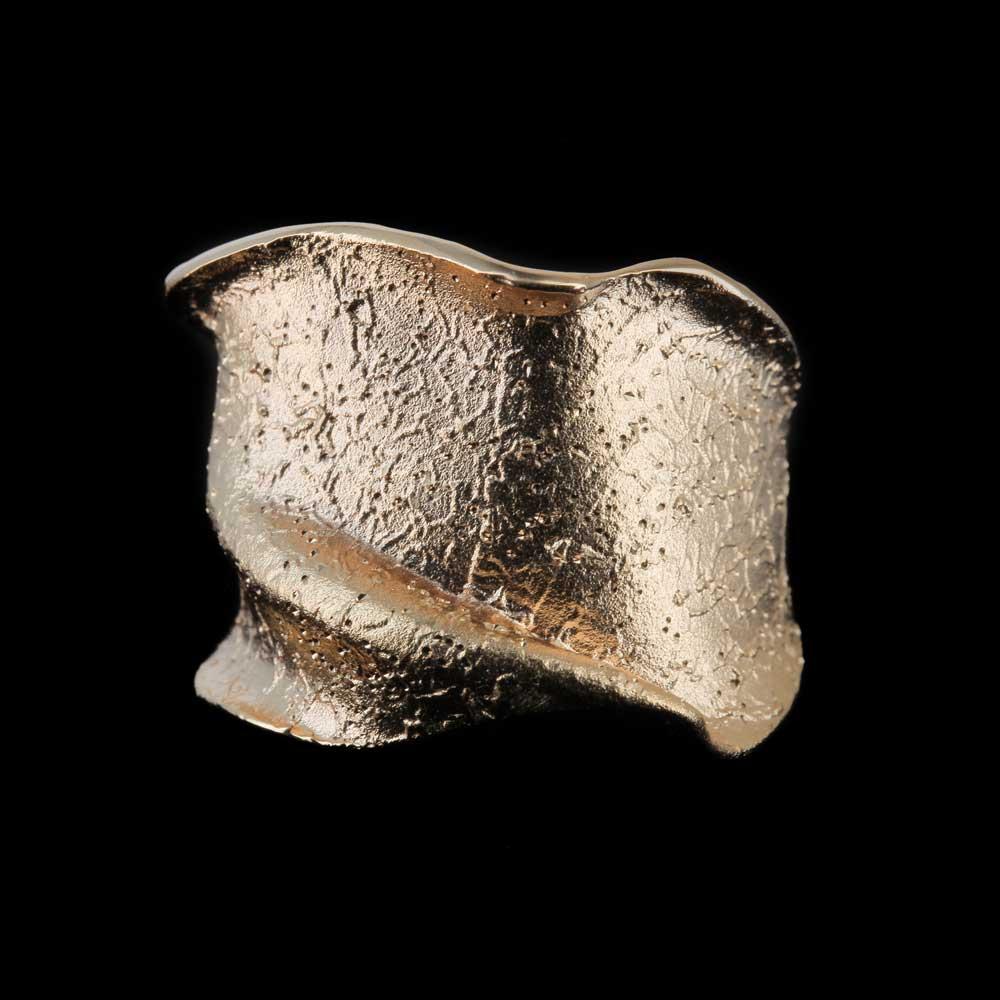 Rosé ring, smal en gediamanteerd