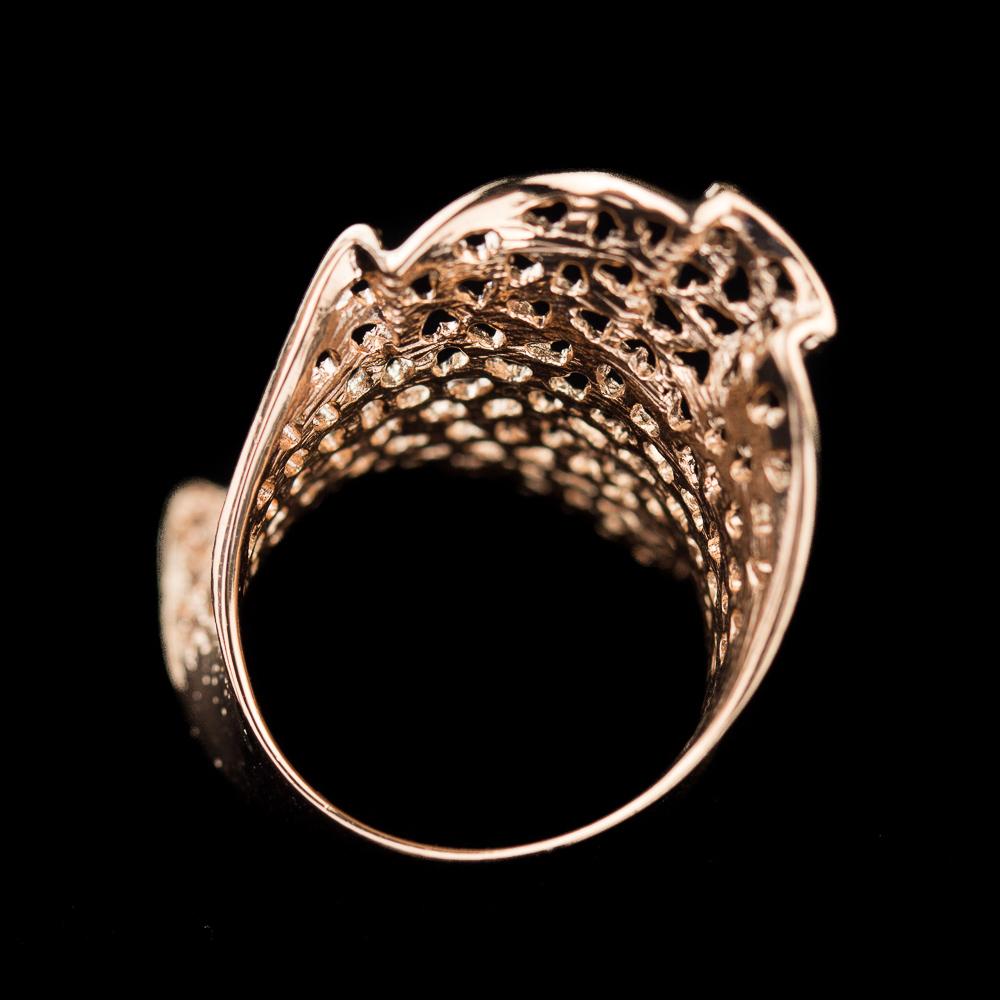 Verfijnde rosé ring, gediamanteerd met gaatjes 18Kt Goud