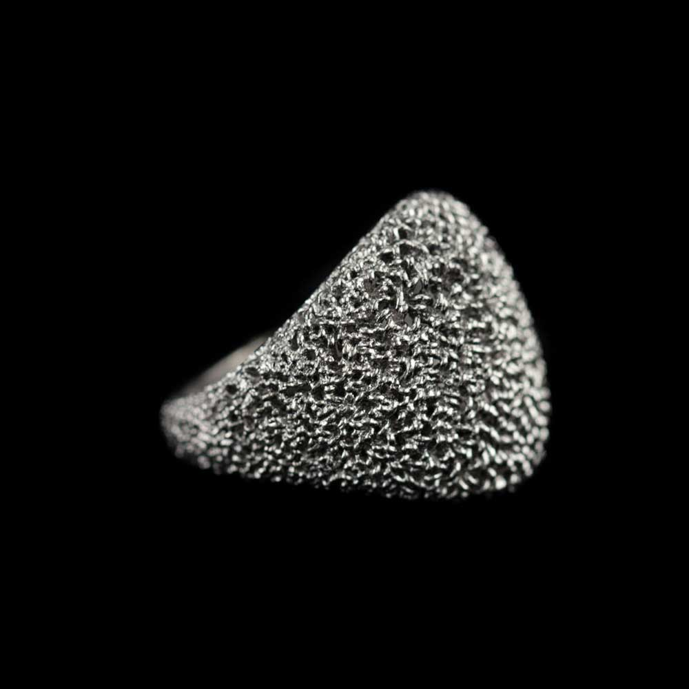 Bolvormige charmante ring zilvergrijs