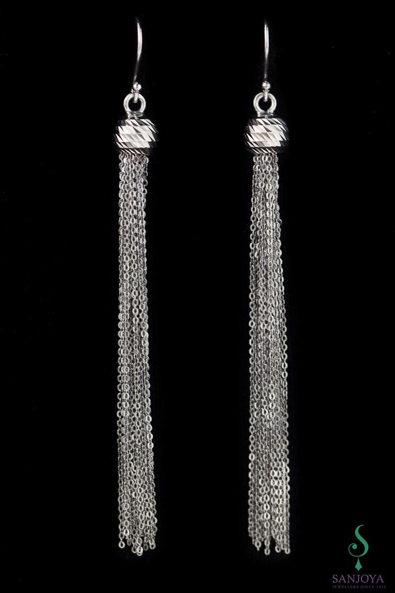 Zwarte oorbellen van zilver met slierten
