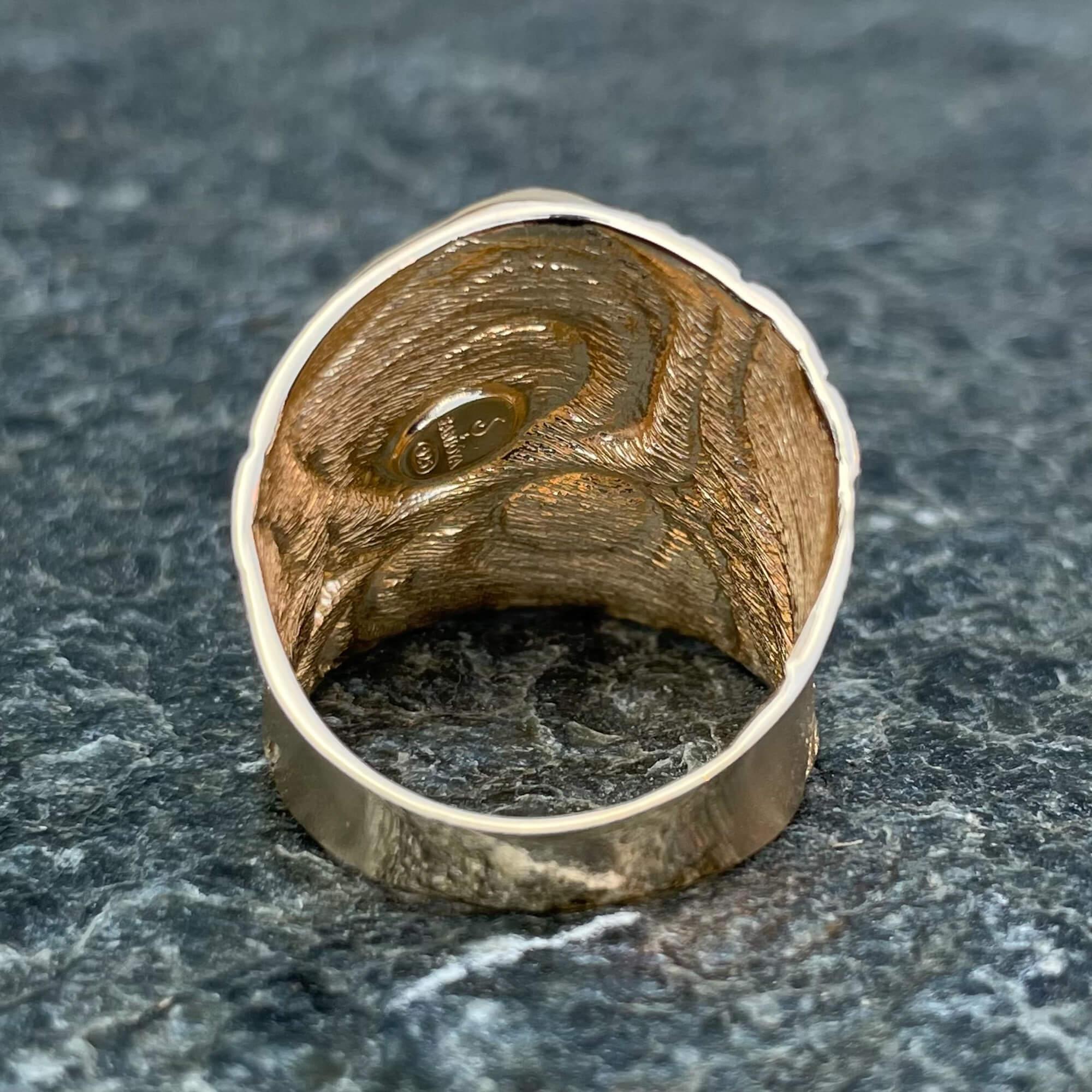 Bewerkte ring van verguld zilver